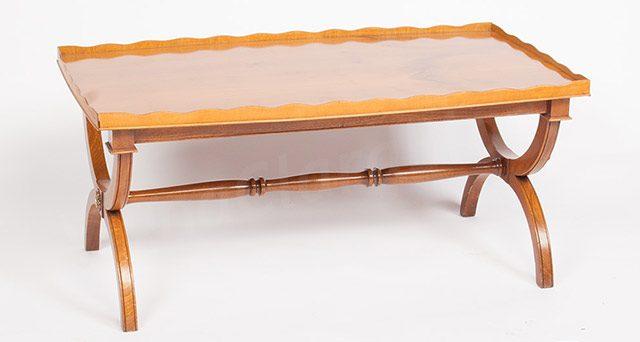 Mobili antiquariato tavolino basso da salotto for Mobili da ufficio a basso costo