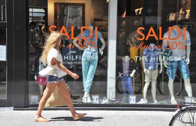 Saldi estivi 2017: ecco a cosa fare attenzione durante lo shopping