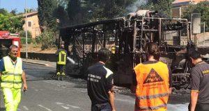 bus-in-fiamme2