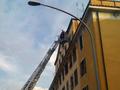 Pompieri in azione a Via della Farnesina