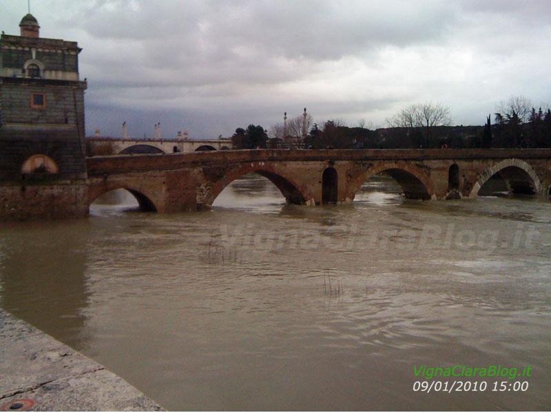 Ponte Milvio diretta della piena 2010