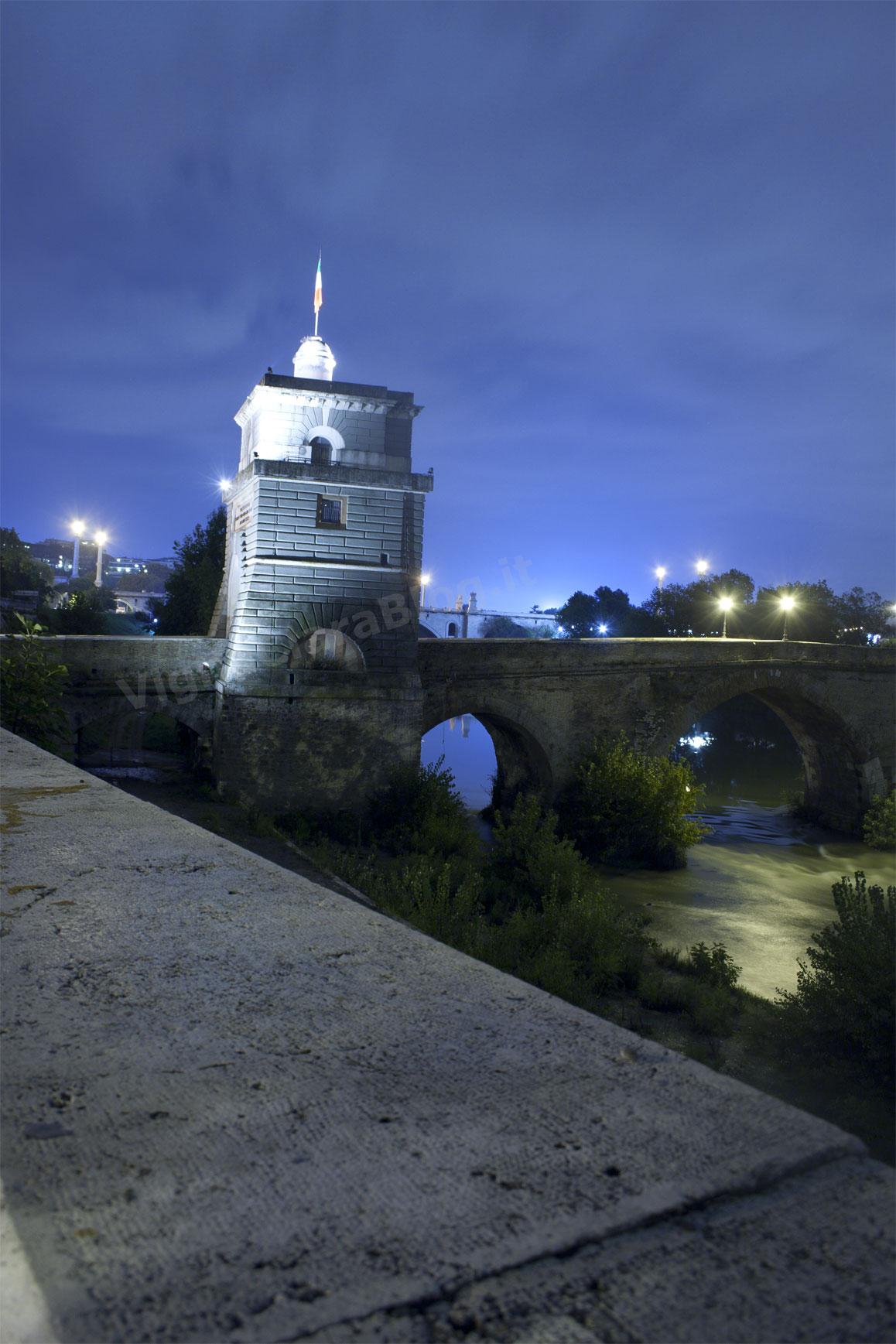Ponte Milvio di Notte