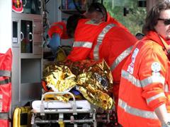 ambulanza-ferito240.jpg