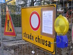 strada_chiusa240.jpg