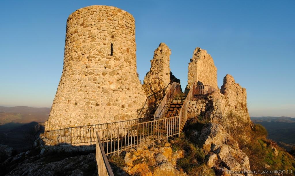 Tolfa Ruderi Castello dei Frangipane