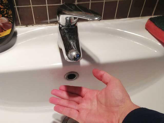 acqua rubinetto-asciutto