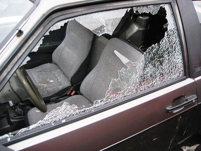 ladri auto La Celsa