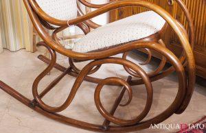 Mobili Antiquariato | Poltrona a dondolo Thonet originale