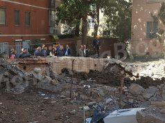 Periti al lavoro nell'area delle fondamenta della palazzina crollata a Ponte Milvio