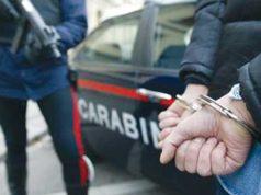 carabinieri-manette pusher tiberina