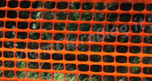 La rete arancio da cantiere