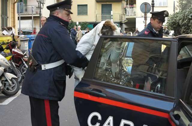 carabinieri-arresto-donna