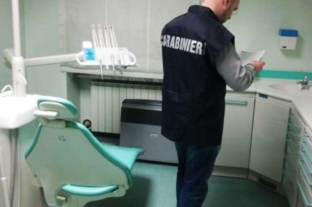 finto-dentista