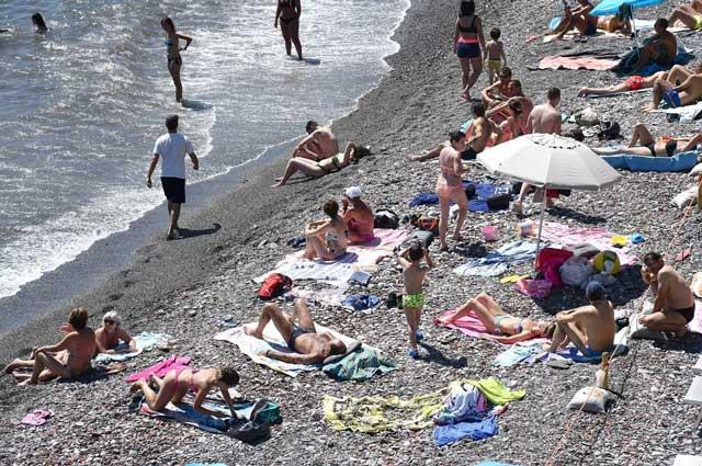 spiaggia-affollata