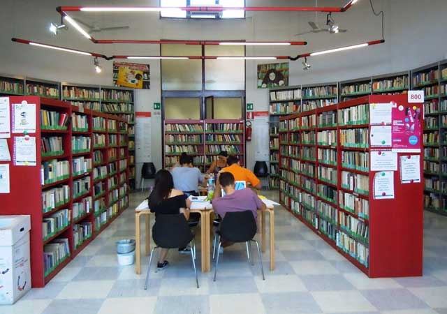 biblioteca-galline-bianche
