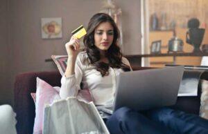 shopping-on-line Foto di Andrea Piacquadio da Pexels