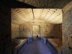 Cerveteri,interno Tomba leoni dipinti